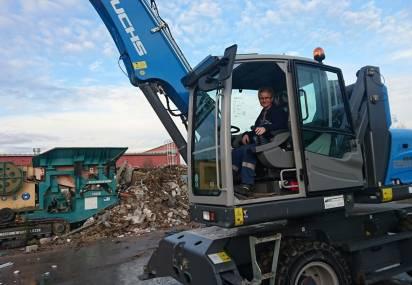 MHL 250 E Dostarczona do przeładunku odpadów !